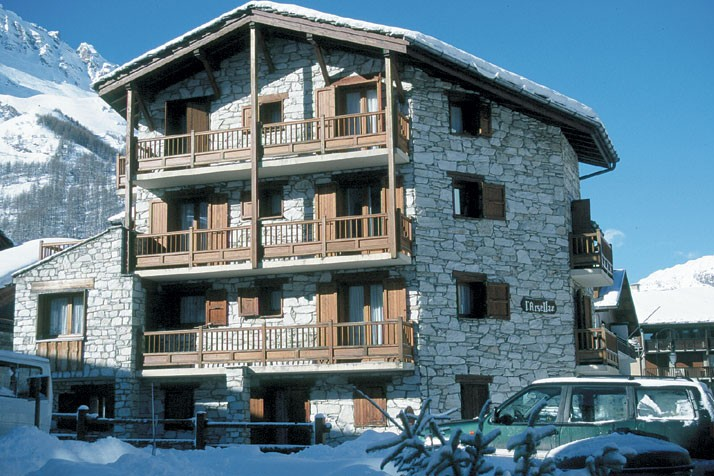 Val-d'Isere France  city images : ski.co.uk | Chalet Arsellaz, Val d'Isere, France