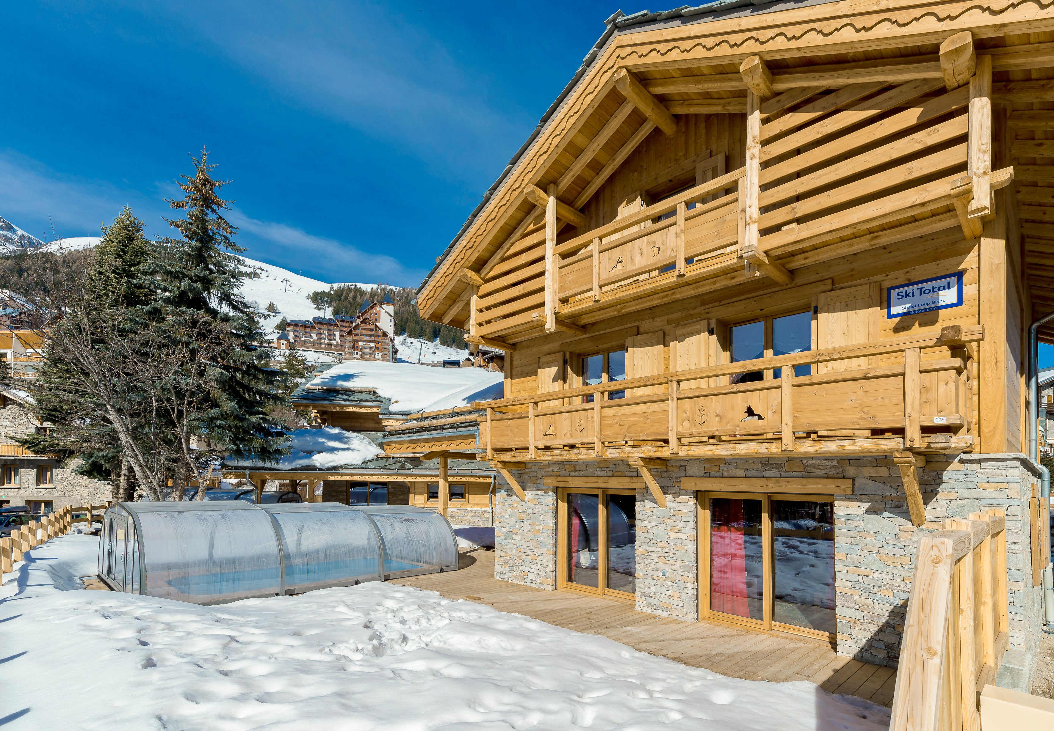 iski 174 les 2 alpes chalets catered groups sole use