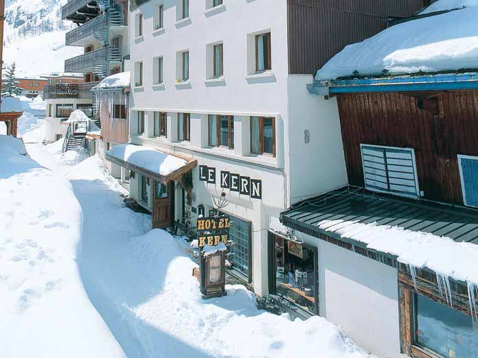 I hotel le kern val d 39 isere france for Hotels val d isere