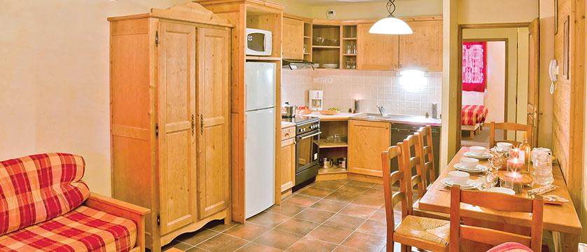 iski la rosiere apartments self catered ski holdiays. Black Bedroom Furniture Sets. Home Design Ideas